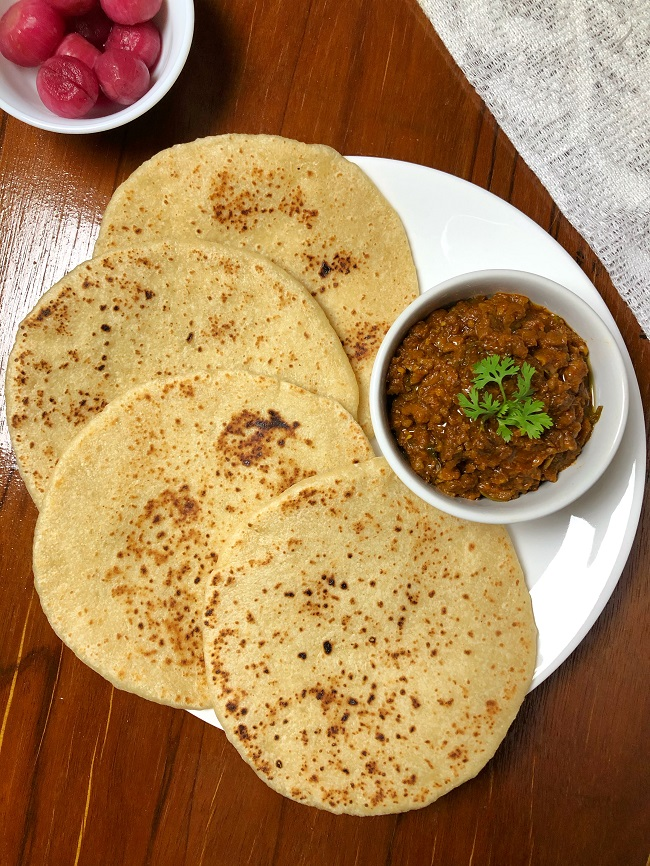How To Make Khamiri Roti At Home