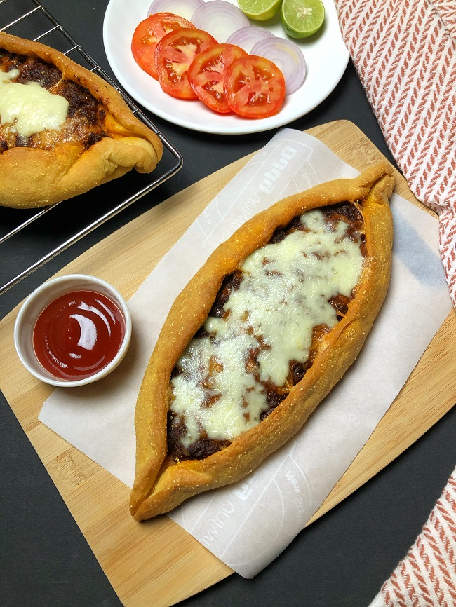 Turkish Pide (Pizza) with Keema Masala Filling